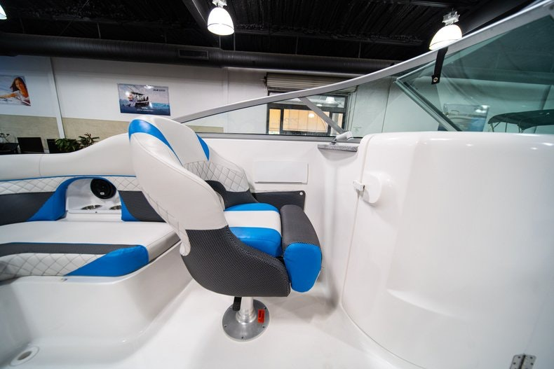 Thumbnail 25 for New 2019 Hurricane SunDeck SD 2486 OB boat for sale in West Palm Beach, FL