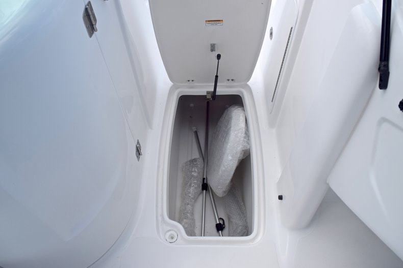 Thumbnail 37 for New 2019 Hurricane SunDeck SD 2200 OB boat for sale in West Palm Beach, FL