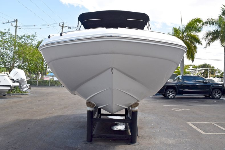 Thumbnail 2 for New 2019 Hurricane SunDeck SD 2200 OB boat for sale in West Palm Beach, FL