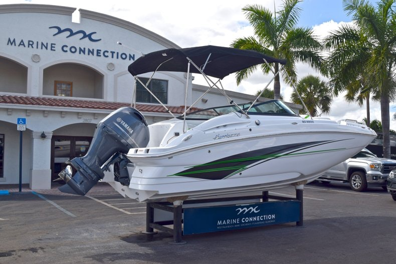 Thumbnail 7 for New 2019 Hurricane SunDeck SD 2200 OB boat for sale in West Palm Beach, FL