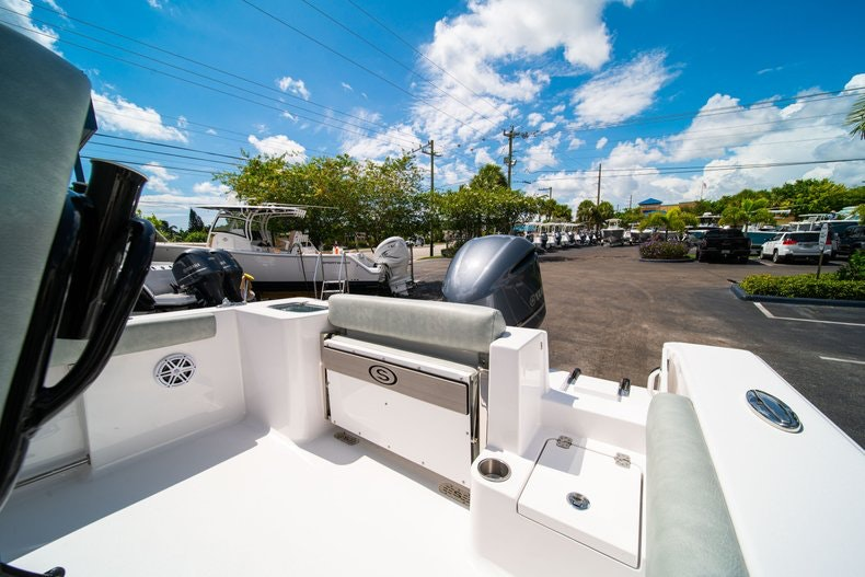 Thumbnail 12 for New 2019 Sportsman Open 242 Center Console boat for sale in Fort Lauderdale, FL