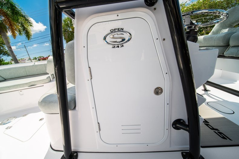 Thumbnail 30 for New 2019 Sportsman Open 242 Center Console boat for sale in Fort Lauderdale, FL