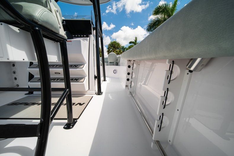 Thumbnail 19 for New 2019 Sportsman Open 242 Center Console boat for sale in Fort Lauderdale, FL