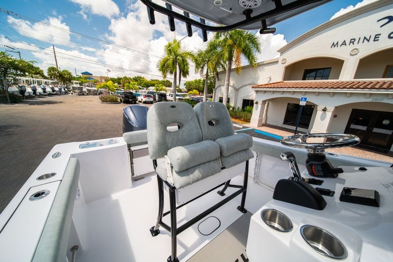 Thumbnail 26 for New 2019 Sportsman Open 242 Center Console boat for sale in Fort Lauderdale, FL