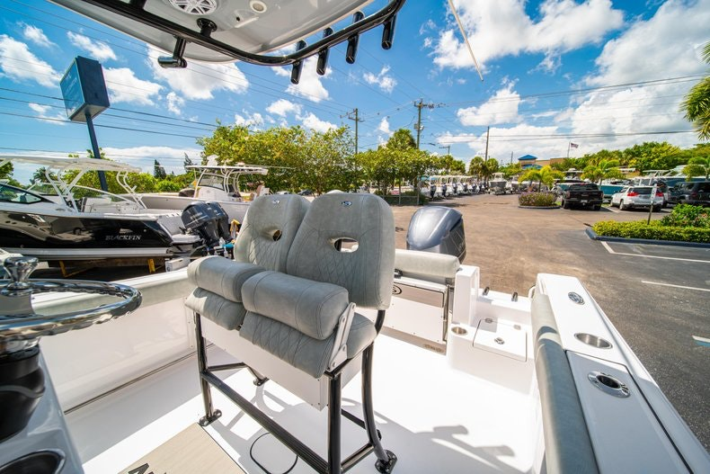 Thumbnail 28 for New 2019 Sportsman Open 242 Center Console boat for sale in Fort Lauderdale, FL
