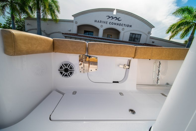 Thumbnail 14 for New 2019 Sportsman Open 312 Center Console boat for sale in Miami, FL