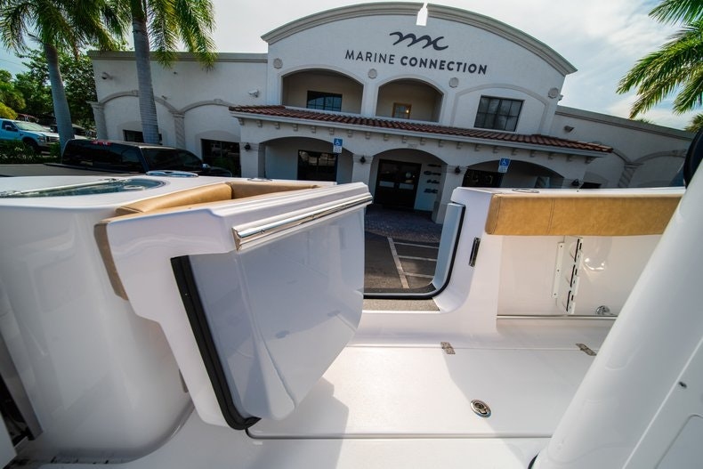 Thumbnail 15 for New 2019 Sportsman Open 312 Center Console boat for sale in Miami, FL