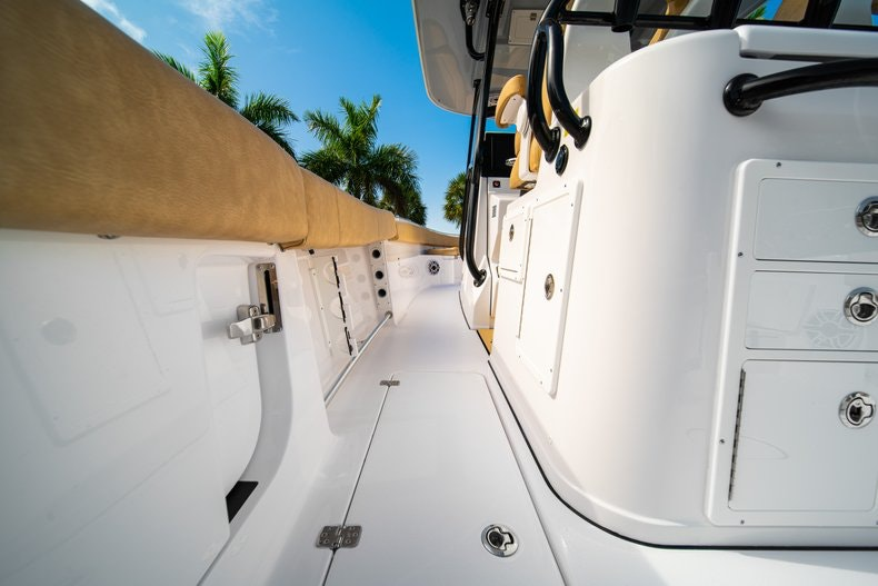 Thumbnail 16 for New 2019 Sportsman Open 312 Center Console boat for sale in Miami, FL