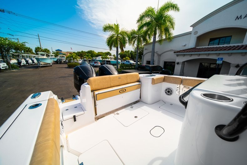 Thumbnail 17 for New 2019 Sportsman Open 312 Center Console boat for sale in Miami, FL