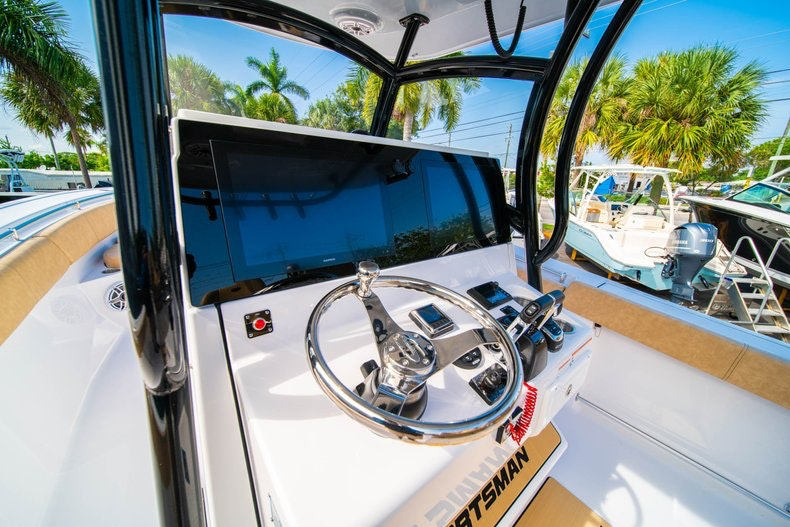 Thumbnail 24 for New 2019 Sportsman Open 312 Center Console boat for sale in Miami, FL