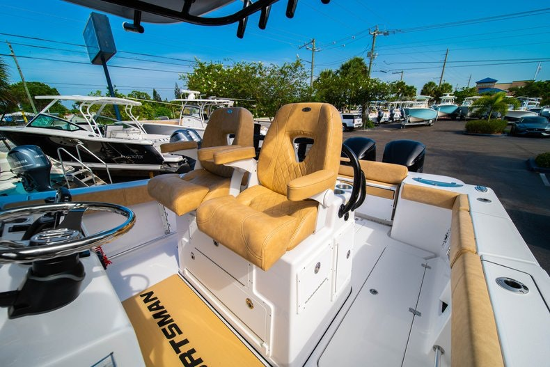 Thumbnail 32 for New 2019 Sportsman Open 312 Center Console boat for sale in Miami, FL