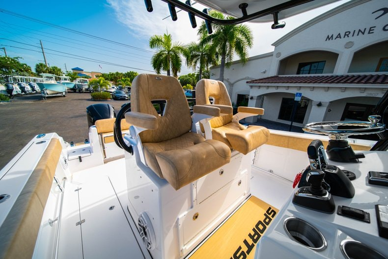 Thumbnail 30 for New 2019 Sportsman Open 312 Center Console boat for sale in Miami, FL