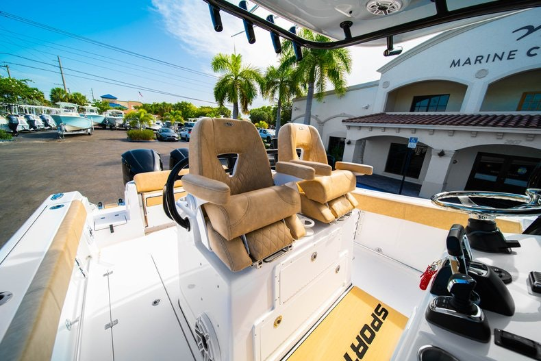 Thumbnail 29 for New 2019 Sportsman Open 312 Center Console boat for sale in Miami, FL
