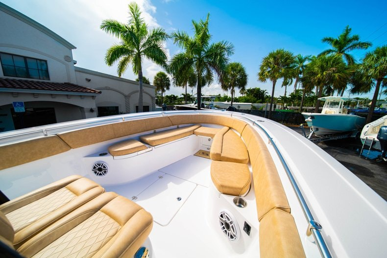 Thumbnail 34 for New 2019 Sportsman Open 312 Center Console boat for sale in Miami, FL