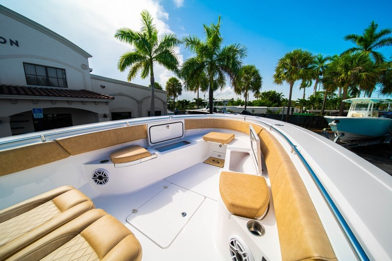 Thumbnail 35 for New 2019 Sportsman Open 312 Center Console boat for sale in Miami, FL