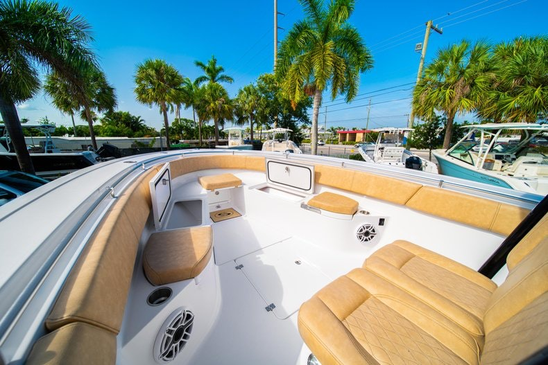 Thumbnail 38 for New 2019 Sportsman Open 312 Center Console boat for sale in Miami, FL