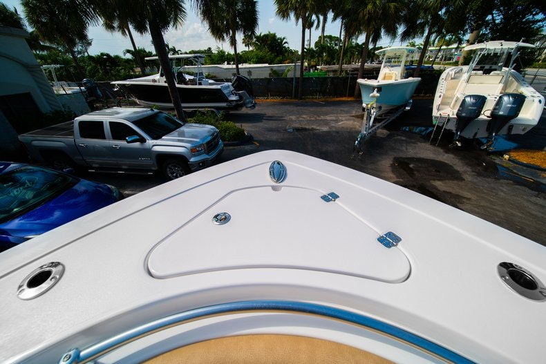 Thumbnail 41 for New 2019 Sportsman Open 312 Center Console boat for sale in Miami, FL