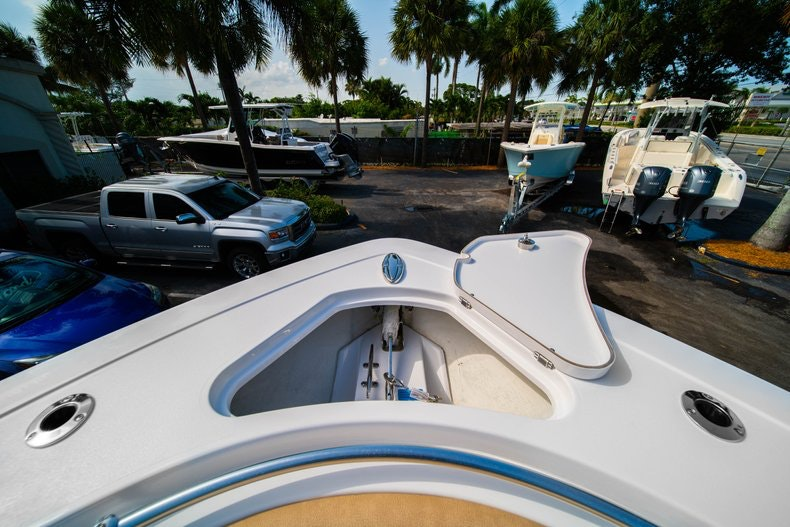 Thumbnail 42 for New 2019 Sportsman Open 312 Center Console boat for sale in Miami, FL