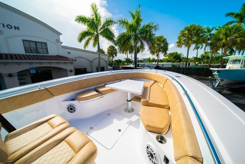 Thumbnail 33 for New 2019 Sportsman Open 312 Center Console boat for sale in Miami, FL