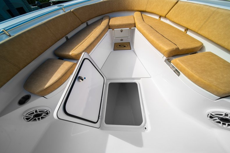 Thumbnail 40 for New 2019 Sportsman Open 312 Center Console boat for sale in Miami, FL