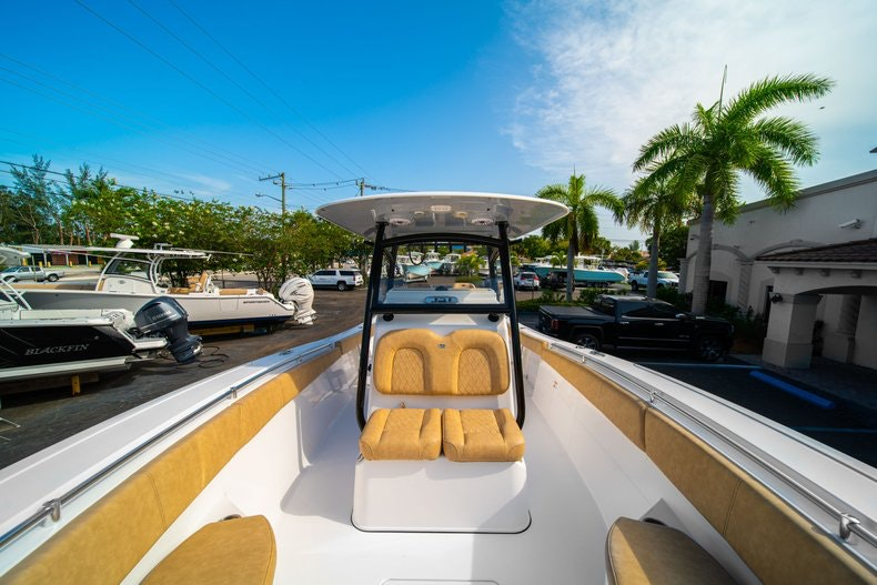 Thumbnail 43 for New 2019 Sportsman Open 312 Center Console boat for sale in Miami, FL