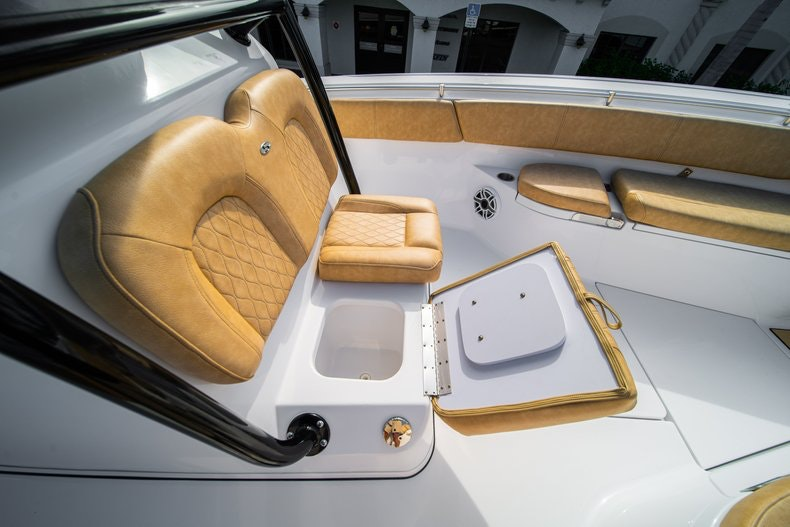 Thumbnail 44 for New 2019 Sportsman Open 312 Center Console boat for sale in Miami, FL