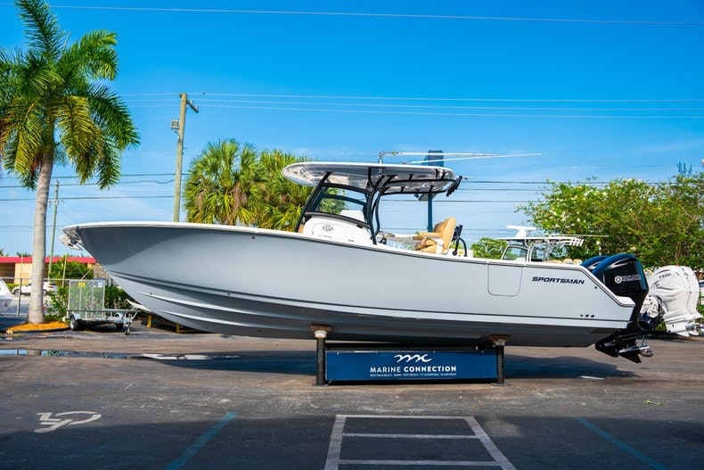 Thumbnail 4 for New 2019 Sportsman Open 312 Center Console boat for sale in Miami, FL