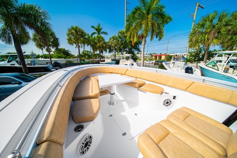 Thumbnail 36 for New 2019 Sportsman Open 312 Center Console boat for sale in Miami, FL