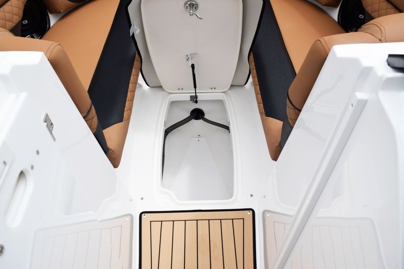 Thumbnail 72 for New 2019 Hurricane SunDeck SD 2690 OB boat for sale in West Palm Beach, FL