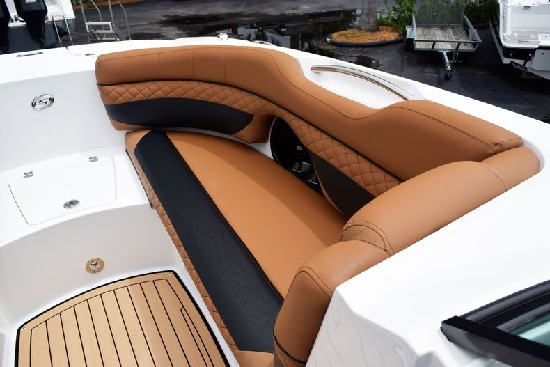 Thumbnail 78 for New 2019 Hurricane SunDeck SD 2690 OB boat for sale in West Palm Beach, FL