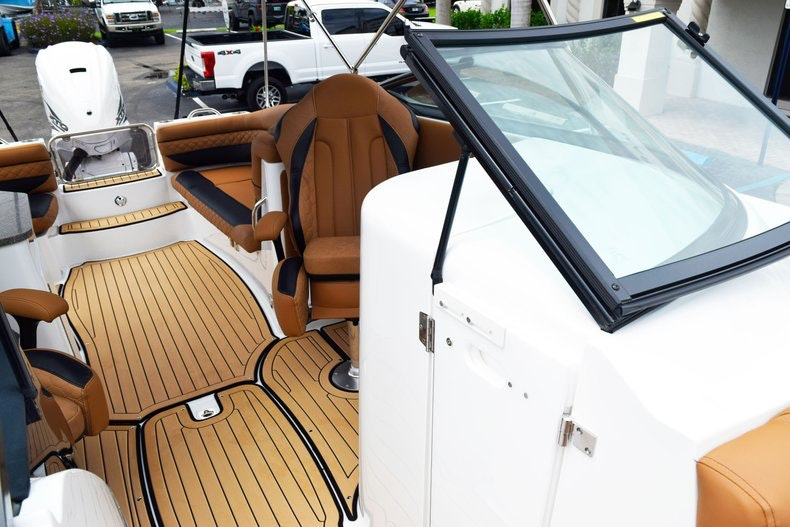 Thumbnail 87 for New 2019 Hurricane SunDeck SD 2690 OB boat for sale in West Palm Beach, FL