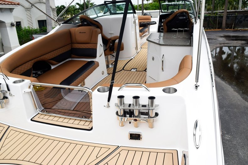 Thumbnail 93 for New 2019 Hurricane SunDeck SD 2690 OB boat for sale in West Palm Beach, FL