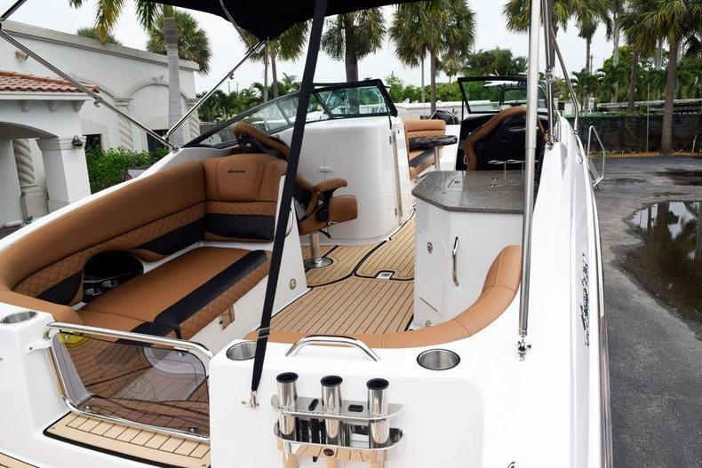 Thumbnail 92 for New 2019 Hurricane SunDeck SD 2690 OB boat for sale in West Palm Beach, FL