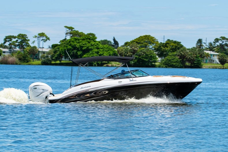 Thumbnail 98 for New 2019 Hurricane SunDeck SD 2690 OB boat for sale in West Palm Beach, FL