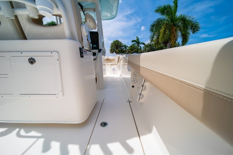 Image 18 for 2019 Cobia 280 cc in Fort Lauderdale, FL