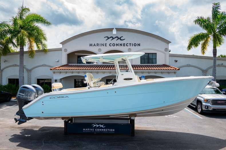 Image 0 for 2019 Cobia 280 cc in Fort Lauderdale, FL