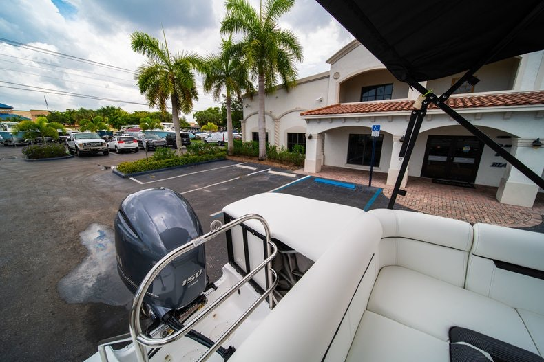 Thumbnail 8 for New 2019 Hurricane FunDeck FD 226 OB boat for sale in Vero Beach, FL