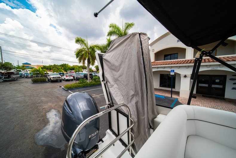 Thumbnail 9 for New 2019 Hurricane FunDeck FD 226 OB boat for sale in Vero Beach, FL