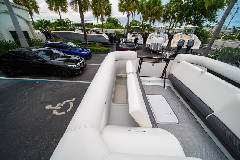 Thumbnail 25 for New 2019 Hurricane FunDeck FD 226 OB boat for sale in Vero Beach, FL
