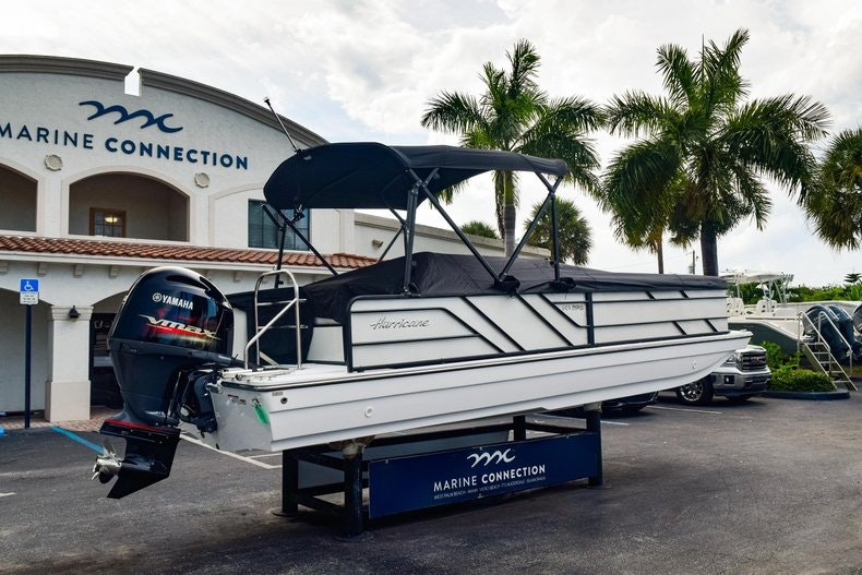 Thumbnail 7 for New 2019 Hurricane FunDeck FD 226 OB boat for sale in West Palm Beach, FL