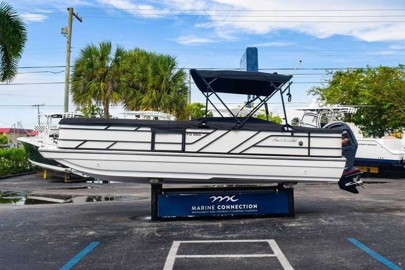 Thumbnail 4 for New 2019 Hurricane FunDeck FD 226 OB boat for sale in West Palm Beach, FL