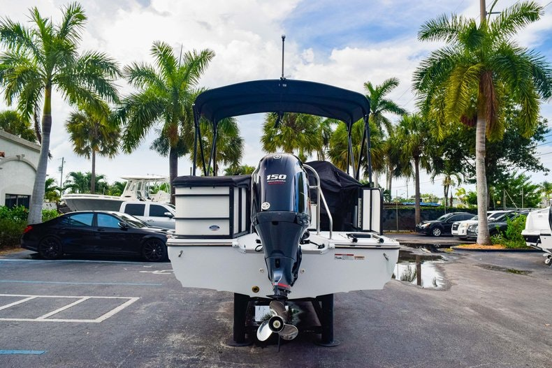 Thumbnail 6 for New 2019 Hurricane FunDeck FD 226 OB boat for sale in West Palm Beach, FL