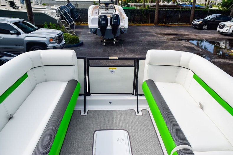 Thumbnail 47 for New 2019 Hurricane FunDeck FD 226 OB boat for sale in West Palm Beach, FL