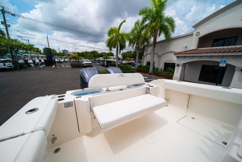 Thumbnail 15 for New 2019 Cobia 301 CC Center Console boat for sale in Islamorada, FL