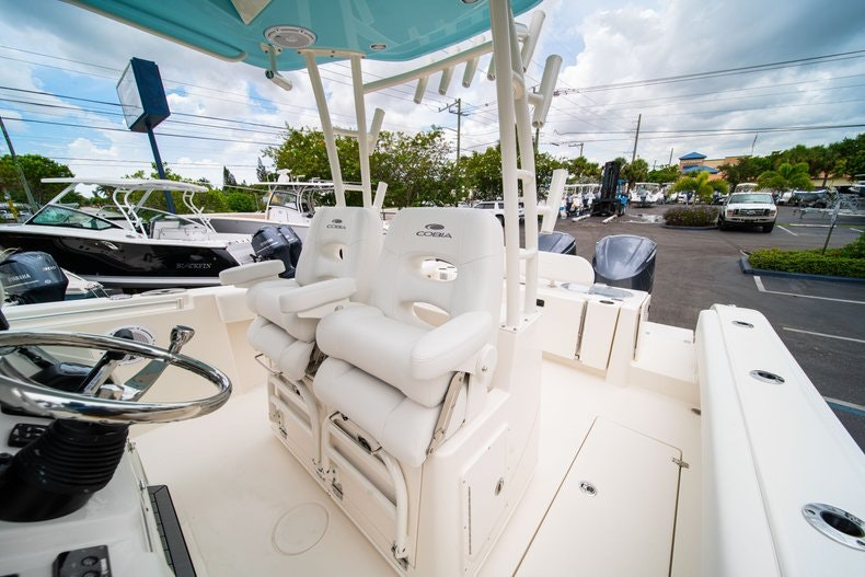 Thumbnail 33 for New 2019 Cobia 301 CC Center Console boat for sale in Islamorada, FL