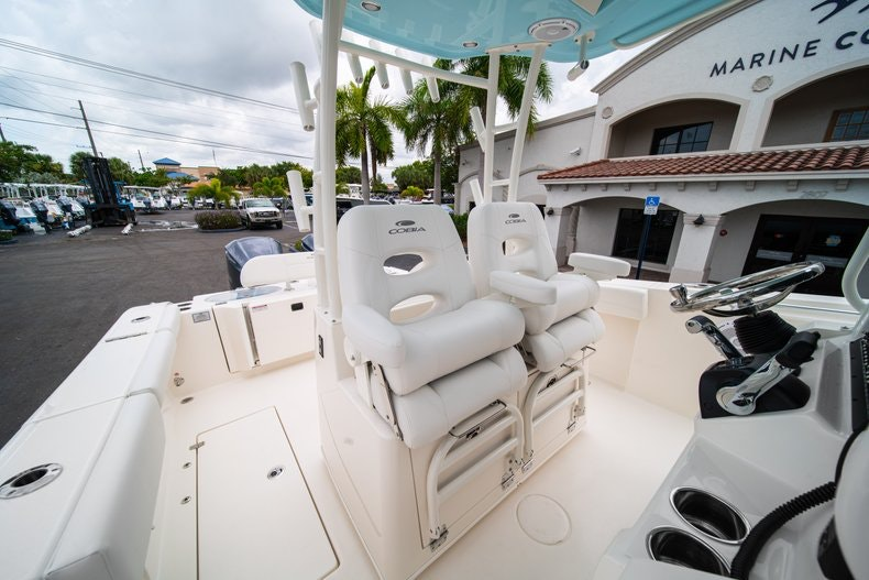 Thumbnail 31 for New 2019 Cobia 301 CC Center Console boat for sale in Islamorada, FL