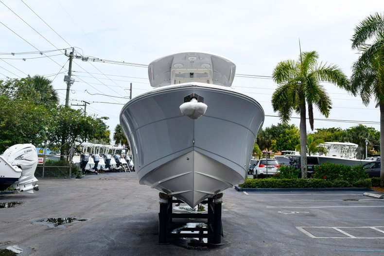 Thumbnail 2 for New 2019 Cobia 262 Center Console boat for sale in Fort Lauderdale, FL