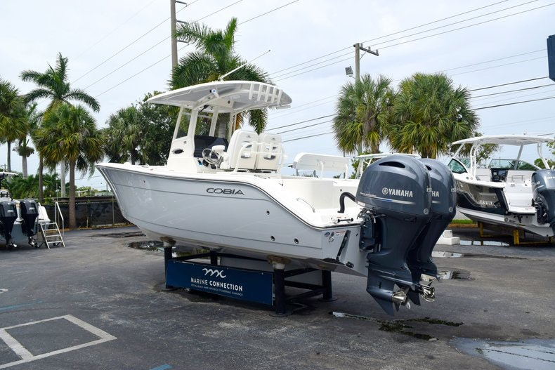 Thumbnail 5 for New 2019 Cobia 262 Center Console boat for sale in Fort Lauderdale, FL