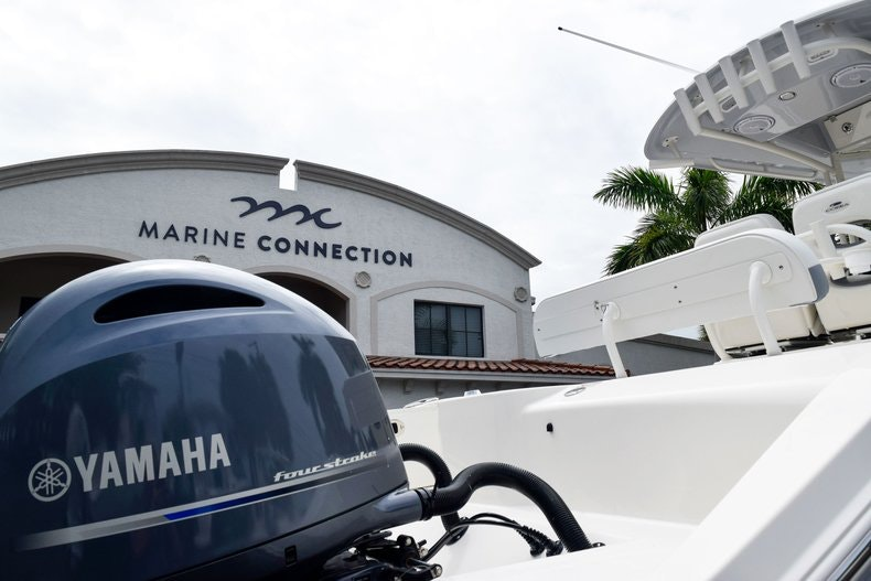 Thumbnail 9 for New 2019 Cobia 262 Center Console boat for sale in Fort Lauderdale, FL