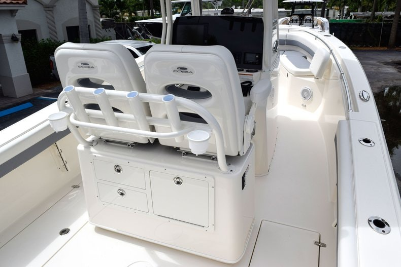 Thumbnail 23 for New 2019 Cobia 262 Center Console boat for sale in Fort Lauderdale, FL
